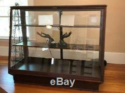 ANTIQUE GLASS ENCLOSED RETAIL STORE DISPLAY CASE (perfectly reconditioned)