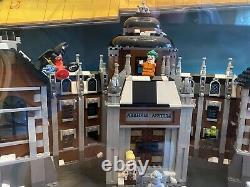 LEGO Batman Movie Store Display Toys R US Light Up Joker Riddler Lights Up Case
