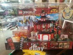 LEGO Ninjago Legacy sets 70659 70666 70670 Store Display Case Working Lights