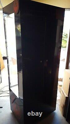 Nice Lighted Dragon Sunglass Retail Mancave Display Case w Storage Locks w Key