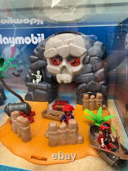 Playmobil Store Display Case 5804 Take Along Pirate Skull Island 5809 Dingy Set